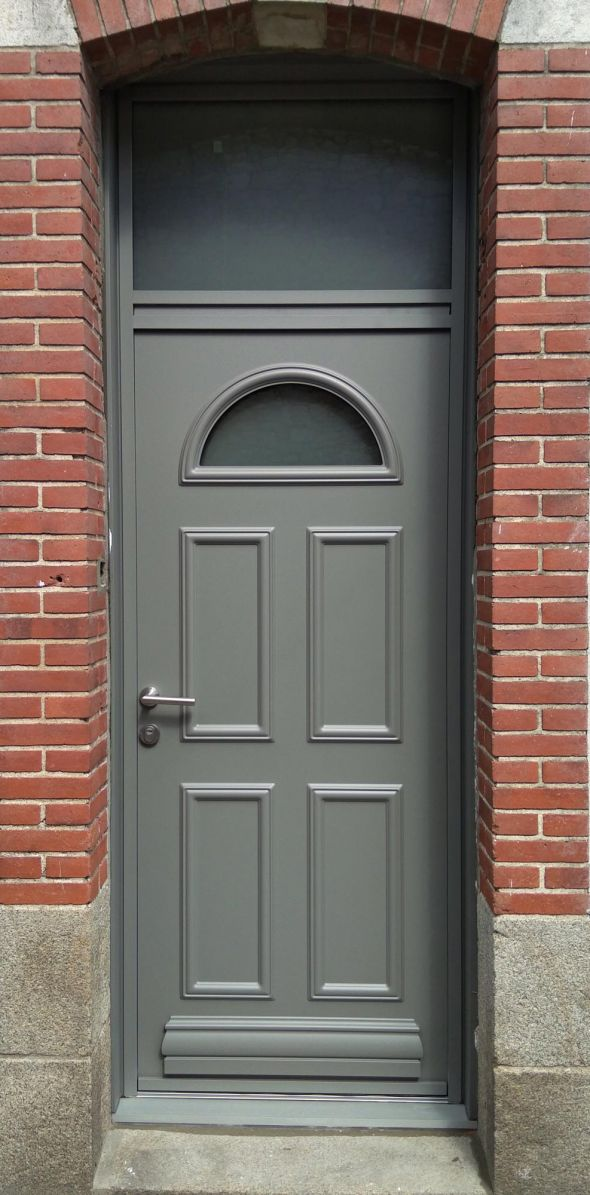 installation-pose-porte-d-entree-gris-anthracite-menuiserie-marionneau-vallet-44-17BAD536B-9853-700D-6BAA-6BD8DDFD4FB7.jpg