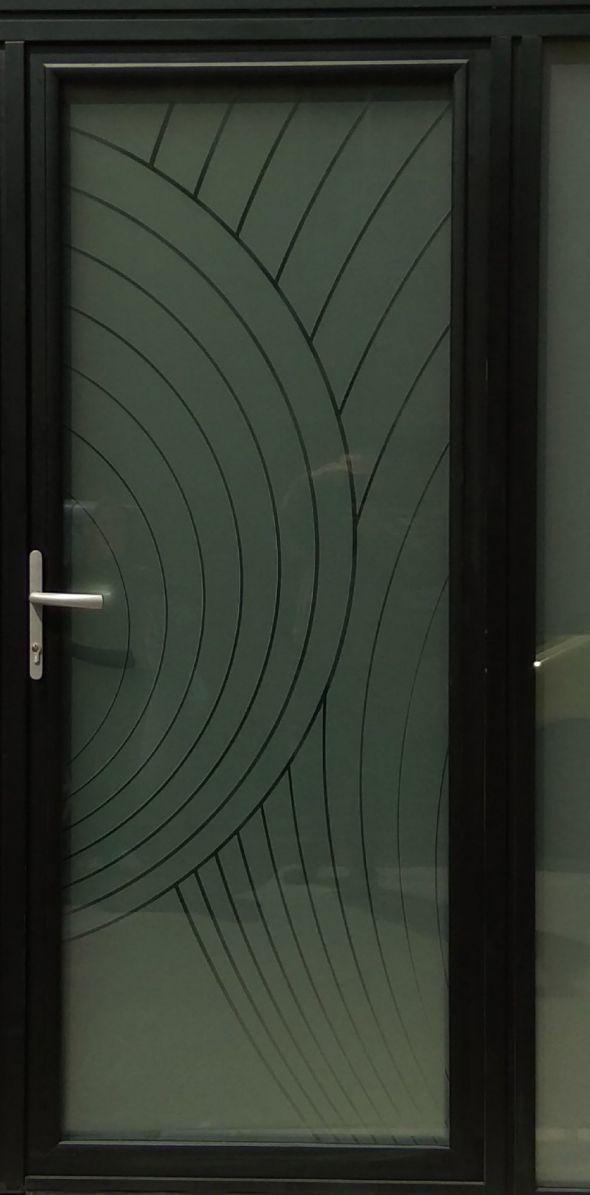 installation-pose-porte-d-entree-verre-menuiserie-marionneau-vallet-44-2021-1828A71F3-4497-BD91-70DD-BCFCD4B33FAE.jpg