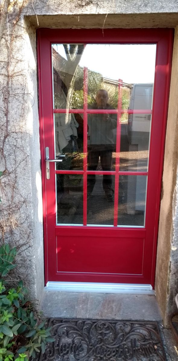 installation-pose-portes-d-entree-menuiserie-marionneau-vallet-44-10842FCF2F-6C75-7A0B-033A-261062F43B64.jpg