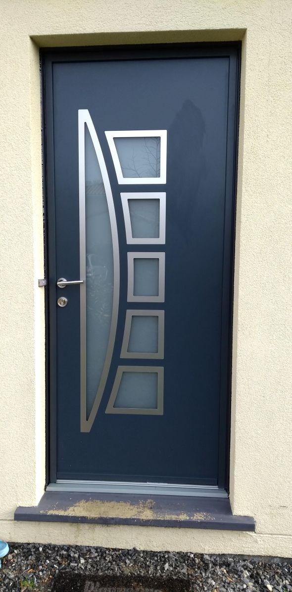 installation-pose-portes-d-entree-menuiserie-marionneau-vallet-44-121EA19885-E3F8-5E5C-3648-091FB2617E45.jpg