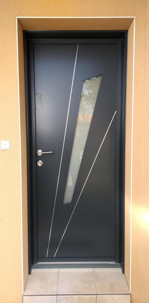 installation-pose-portes-d-entree-menuiserie-marionneau-vallet-44-214BF2E736-6288-FDF3-0873-6774E164BF6B.jpg