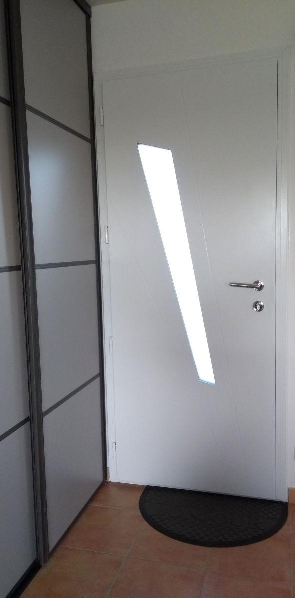 installation-pose-portes-d-entree-menuiserie-marionneau-vallet-44-220CA7E619-0BAC-0771-ED4F-7B627B43961F.jpg