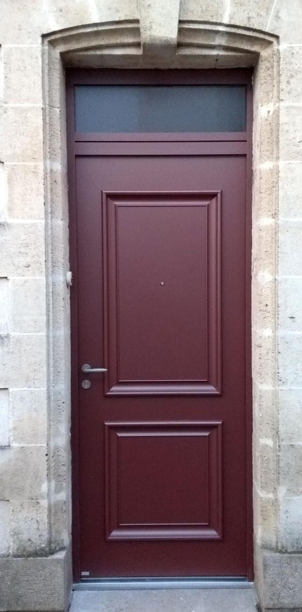 installation-pose-portes-d-entree-menuiserie-marionneau-vallet-44-23A1A21638-D355-90CF-33E7-EE59E8248647.jpg