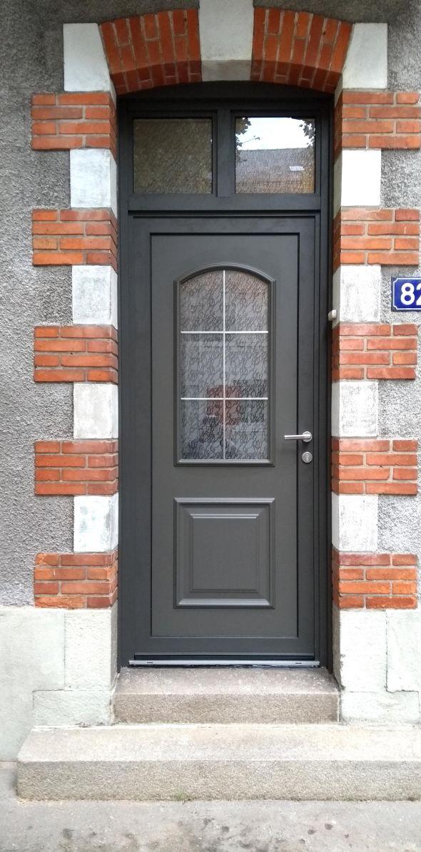 installation-pose-portes-d-entree-menuiserie-marionneau-vallet-44-7CA4A3240-4916-9C23-3D73-708955FE24BE.jpg