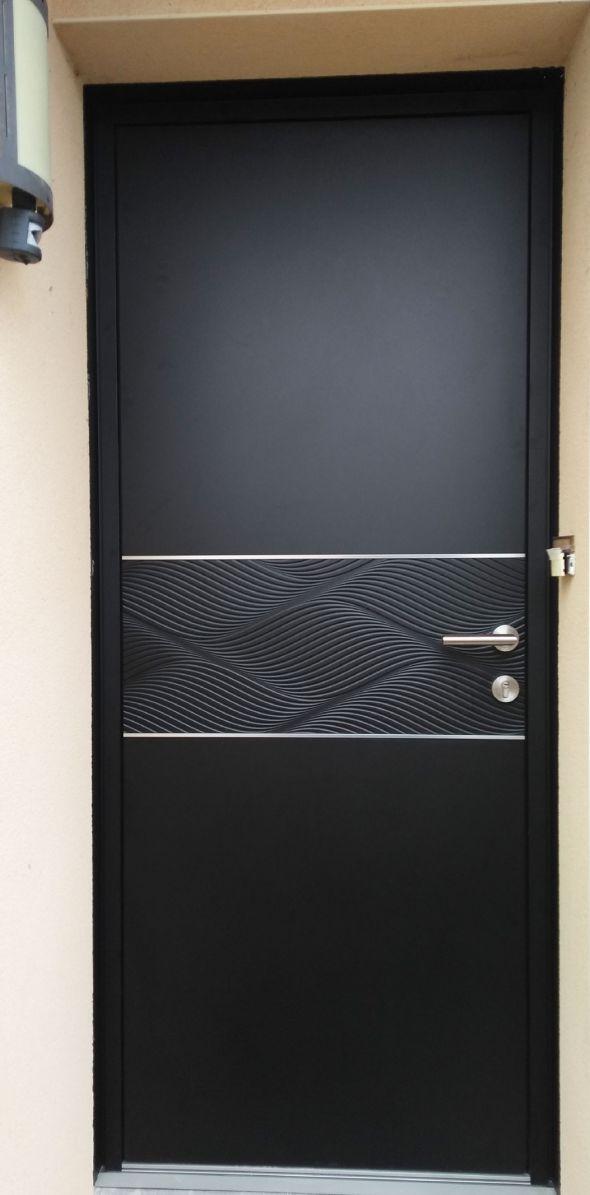 installation-pose-portes-d-entree-noir-gris-anthracite-menuiserie-marionneau-vallet-44-2623BF3C56-7647-013D-DCF7-DBDB83814385.jpg