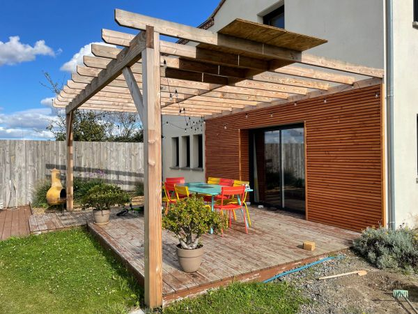 creation-installation-pergola-bardage-bois-menuiserie-marionneau-vallet-44-2021-1AC3929C5-CBC5-6349-023C-E0B3DD57988E.jpg