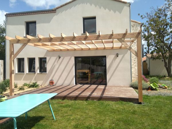 creation-installation-pergola-bois-carport-menuiserie-marionneau-vallet-44-2021-77D62EDDB-EB72-6A7B-A5A0-B283FC8D0665.jpg