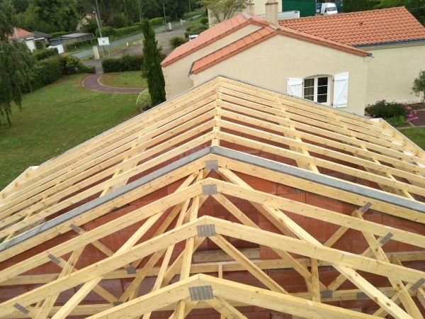 charpente-bois-construction-maison-amenagements-exterieurs-menuiserie-marionneau-vallet-41A3CCB45-EFEF-CE34-2914-4467041F2286.jpg