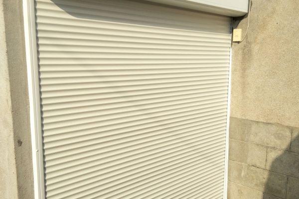 installation-pose-volets-roulants-solaires-rideaux-solaires-menuiserie-marionneau-vallet-441CD8C5C8-9049-12EA-E5F7-167AE214D06C.jpg