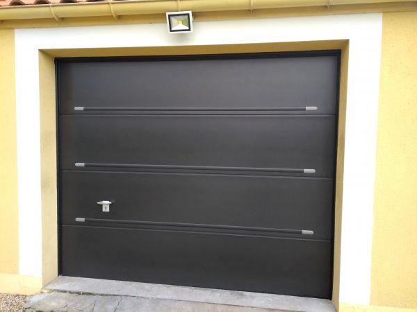installation-pose-portes-garage-menuiserie-marionneau-vallet-44-1248A3BEA4-13C3-2F98-B558-F7008DBB854A.jpg