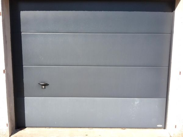installation-pose-portes-garage-menuiserie-marionneau-vallet-44-4E7B72BCA-CCFF-A115-B670-EA4DE1479CB6.jpg