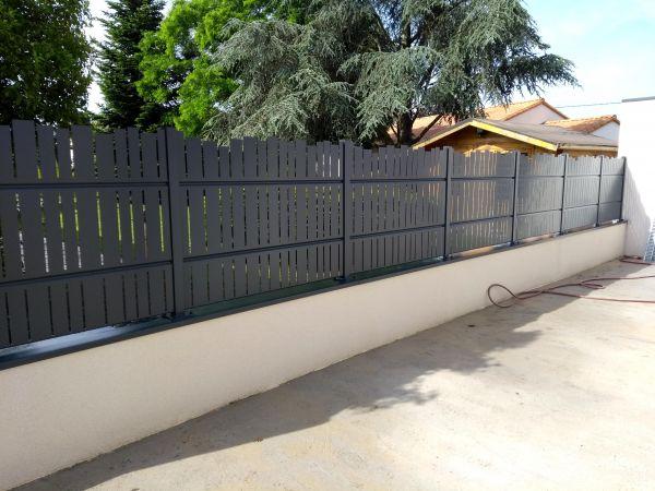 installation-pose-portail-cloture-menuiserie-marionneau-vallet-44-3CE05D256-3143-1357-28B9-BA6146FD8A7D.jpg