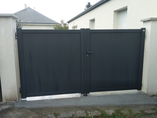 installation-pose-portail-gris-anthracite-menuiserie-marionneau-vallet-44-134D3C02B-CFBF-EE0A-5DD4-D9BB70BF9ABB.jpg
